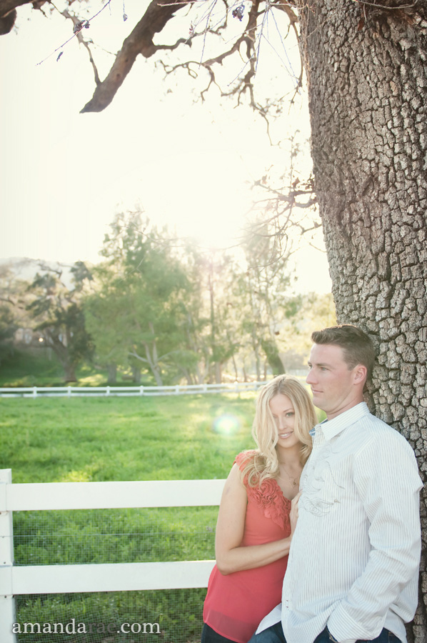 Purely Gorgeous Engagement Session via TheELD.com
