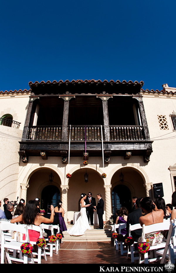 Bright & Modern Florida Wedding via TheELD.com