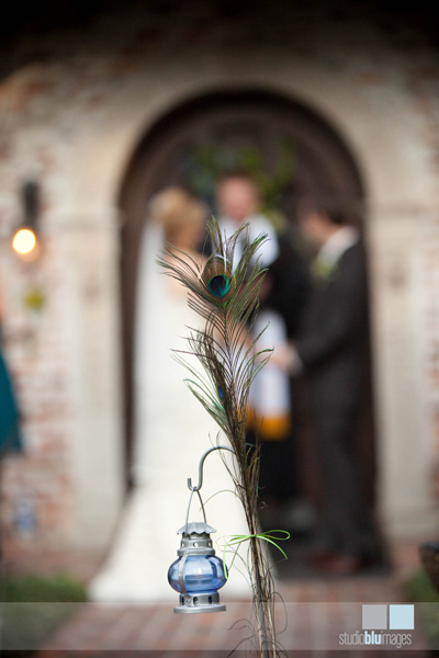 A Gorgeously Done Peacock Wedding via TheELD.com