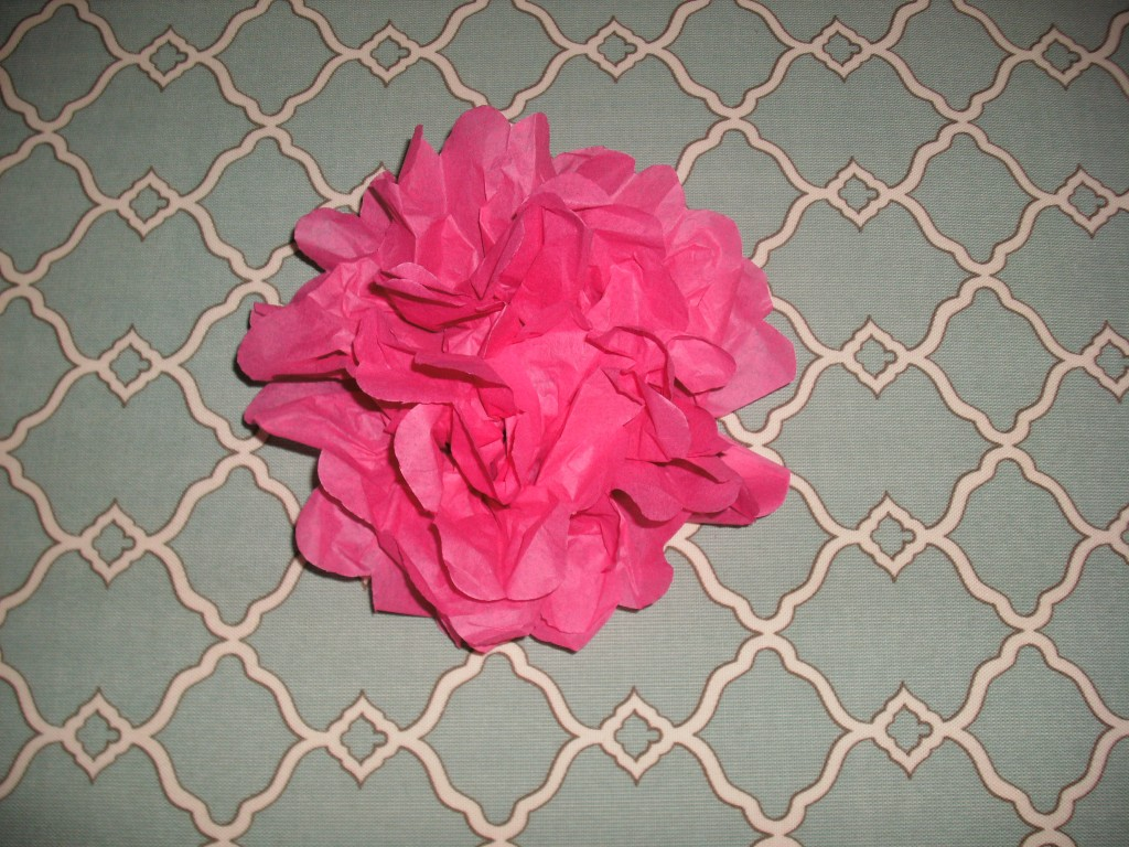 how to make flowers with tissue paper The ultimate guide to making tissue paper flowers the photo and video tutorial make it so easy plus sizing charts, hanging tips and lots of different ideas to decorate with tissue paper flowers.