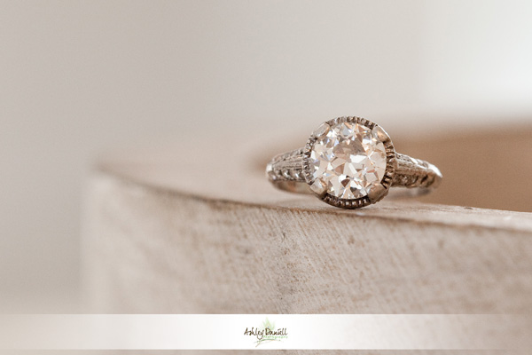 {Thursday Tips} Just Engaged? 5 Things To Do First! via TheELD.com