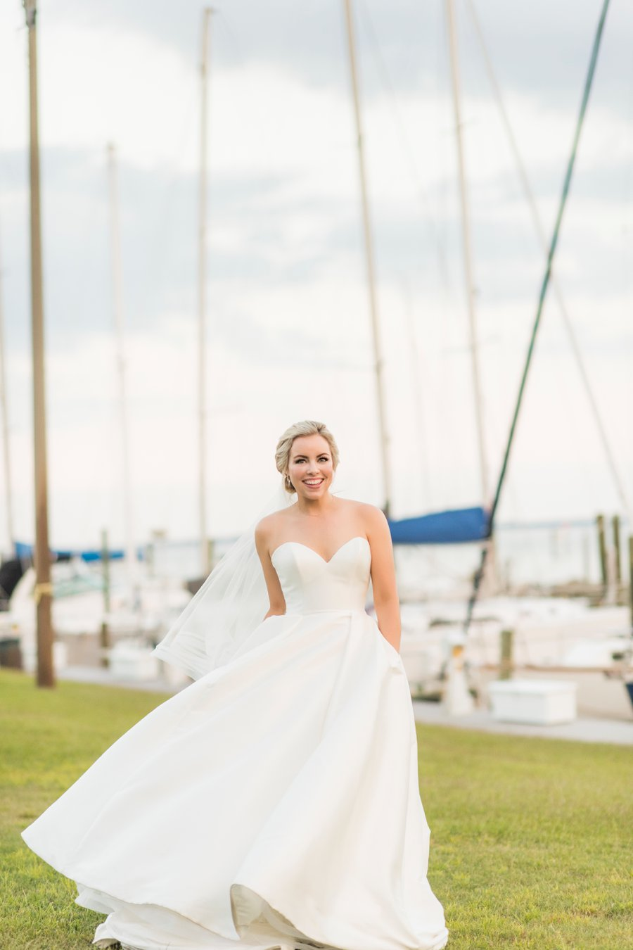 A Preppy, Classic Navy & White Nautical Wedding via TheELD.com