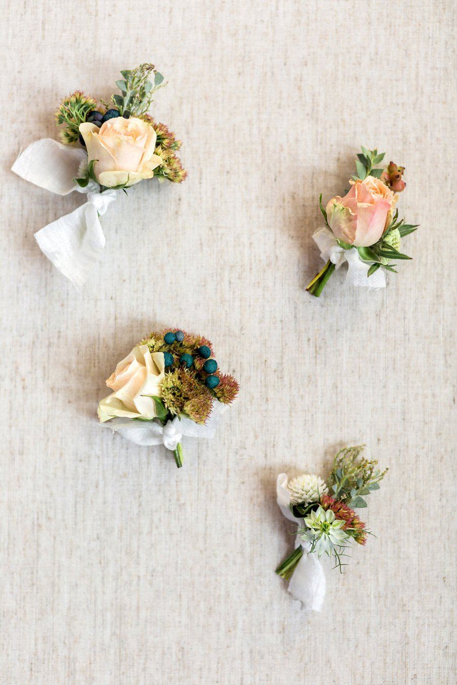 A Peach & Champagne Modern Romantic Wedding Day via TheELD.com